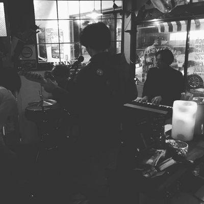 2018-12-16sunnysidecafe-live1.jpg